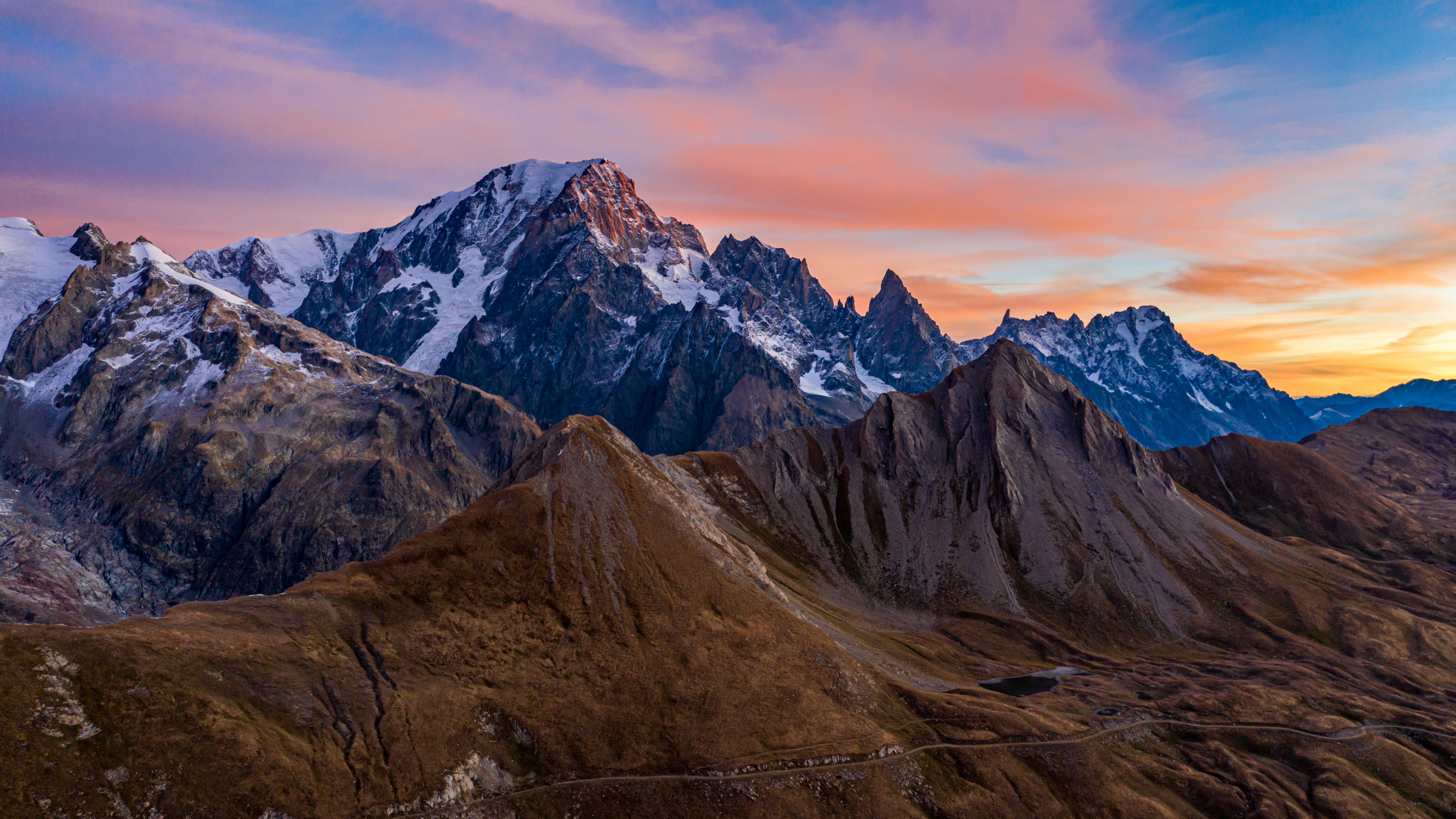 Le Mont-Blanc au levé du soleil